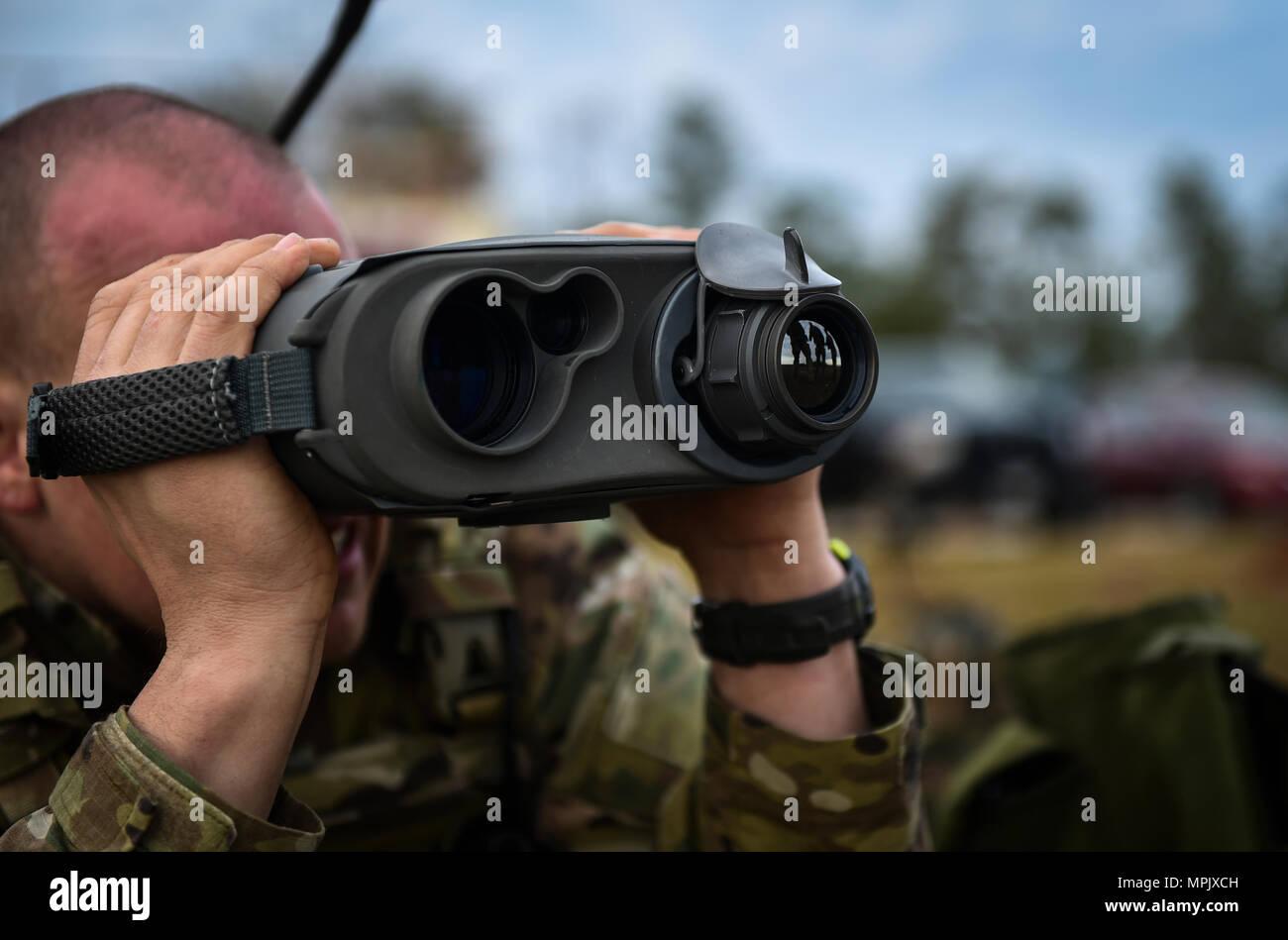 Laser rangefinder stockfotos & laser rangefinder bilder alamy