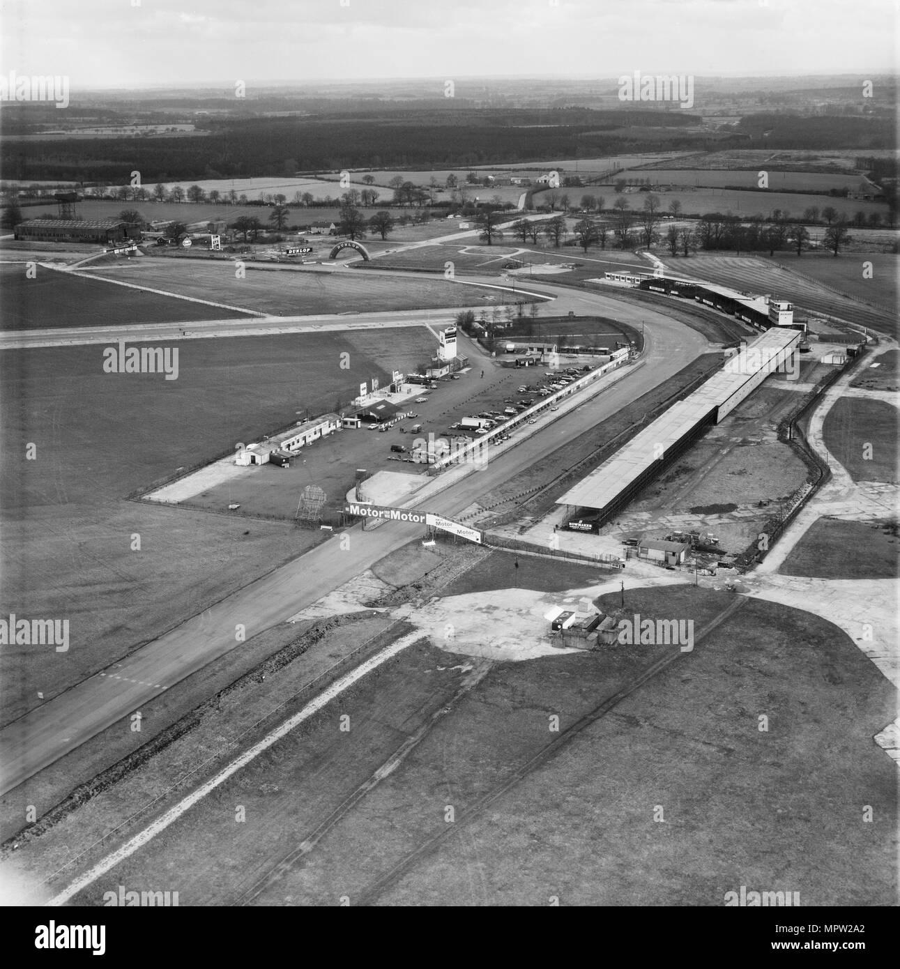Silverstone Rennstrecke, Northamptonshire, 1971. Artist: Aerofilms. Stockbild