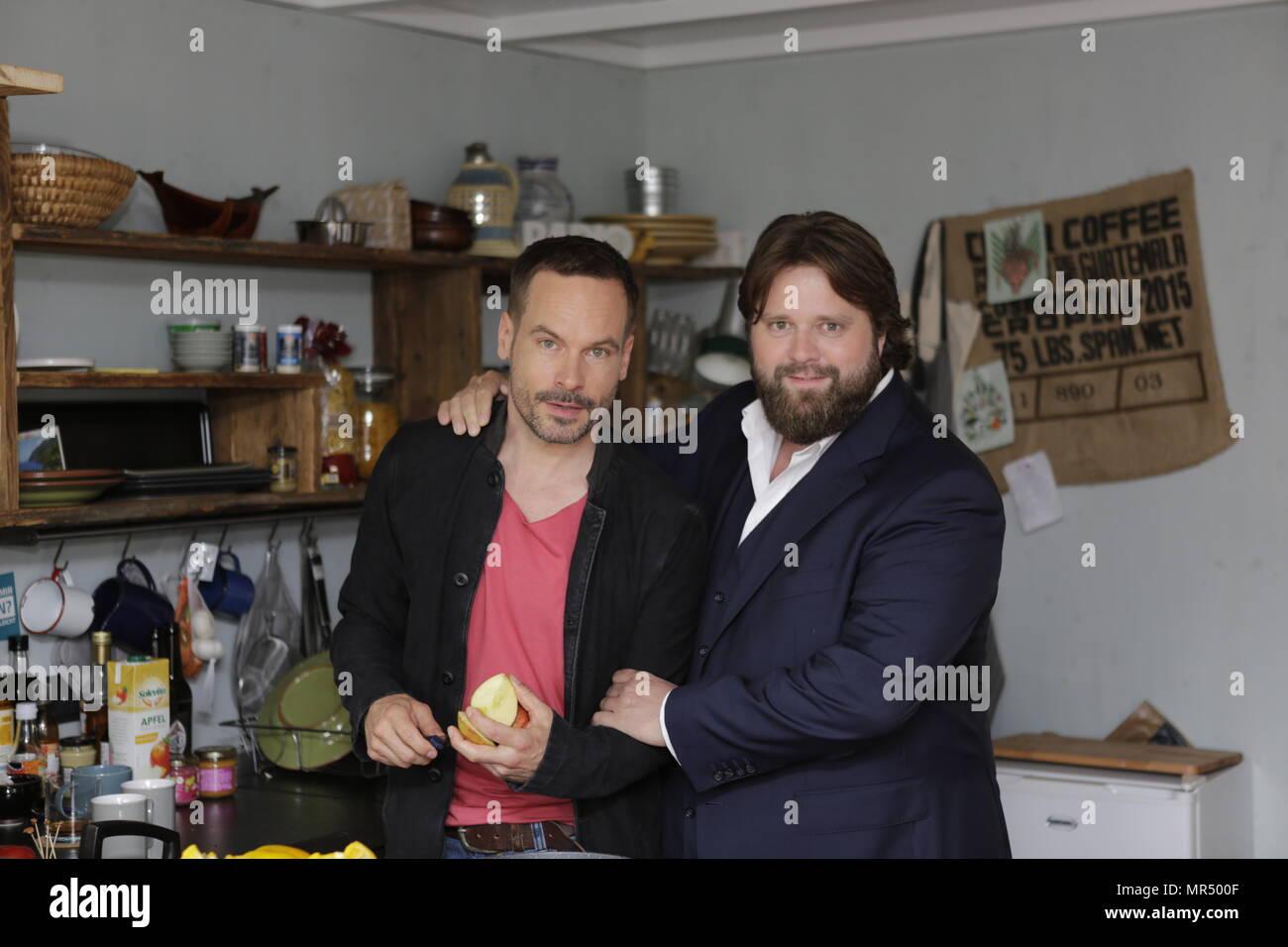 Tolle Die Küche Tv Serie Uk Galerie - Küchenschrank Ideen ...