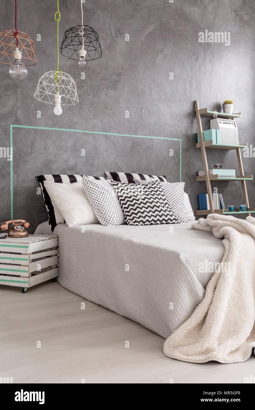 Neues design Schlafzimmer mit DIY Nachttisch, moderne ...