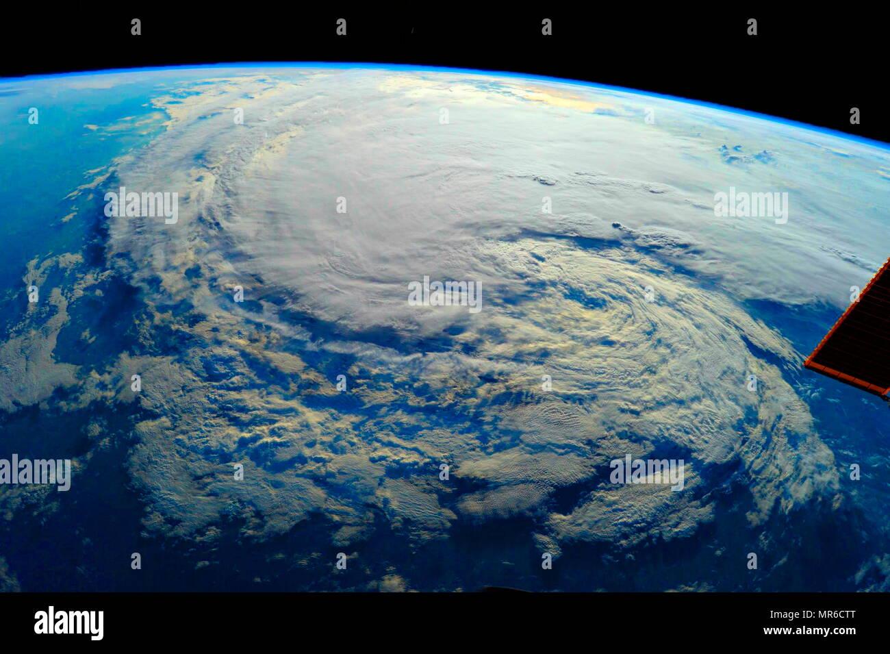 Hurricane Harvey 2017. In einem Zeitraum von vier Tagen, viele Bereiche erhielten mehr als 40 Zoll (1.000 mm) der Regen als das System Schlängelte sich über östlichen Texas und angrenzenden Gewässern, was zu katastrophalen Überschwemmungen. Die daraus resultierende Hochwassern überflutet Hunderttausende von Wohnungen, mehr als 30.000 Menschen auf der Flucht, und Sie aufgefordert werden, mehr als 17.000 rettet Stockbild