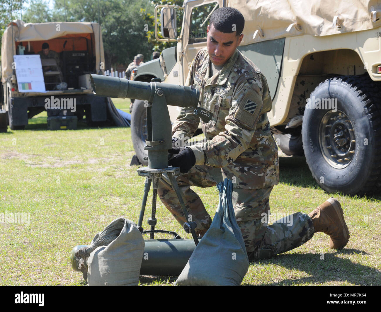 Laser Entfernungsmesser Militär : Laser cannon stockfotos bilder alamy