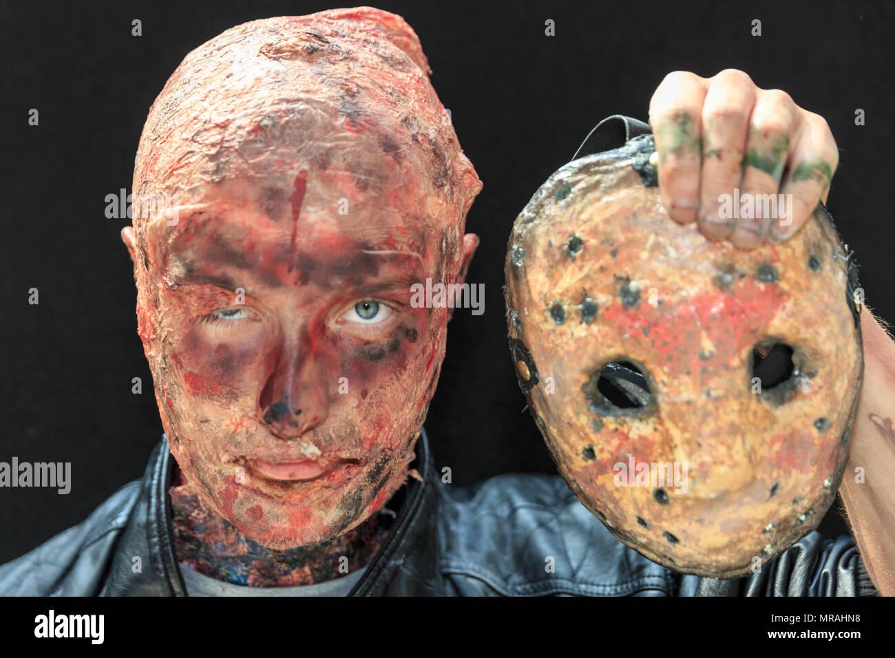 Jason Voorhees Costumes Stockfotos Und Bilder Kaufen Alamy
