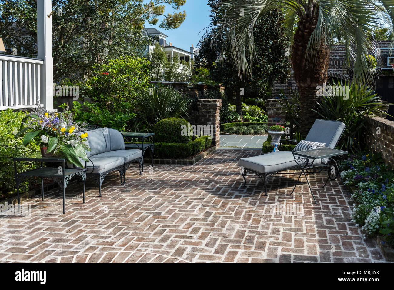 Ziegel Gepflasterte Terrasse In Einem Privaten Charleston In South