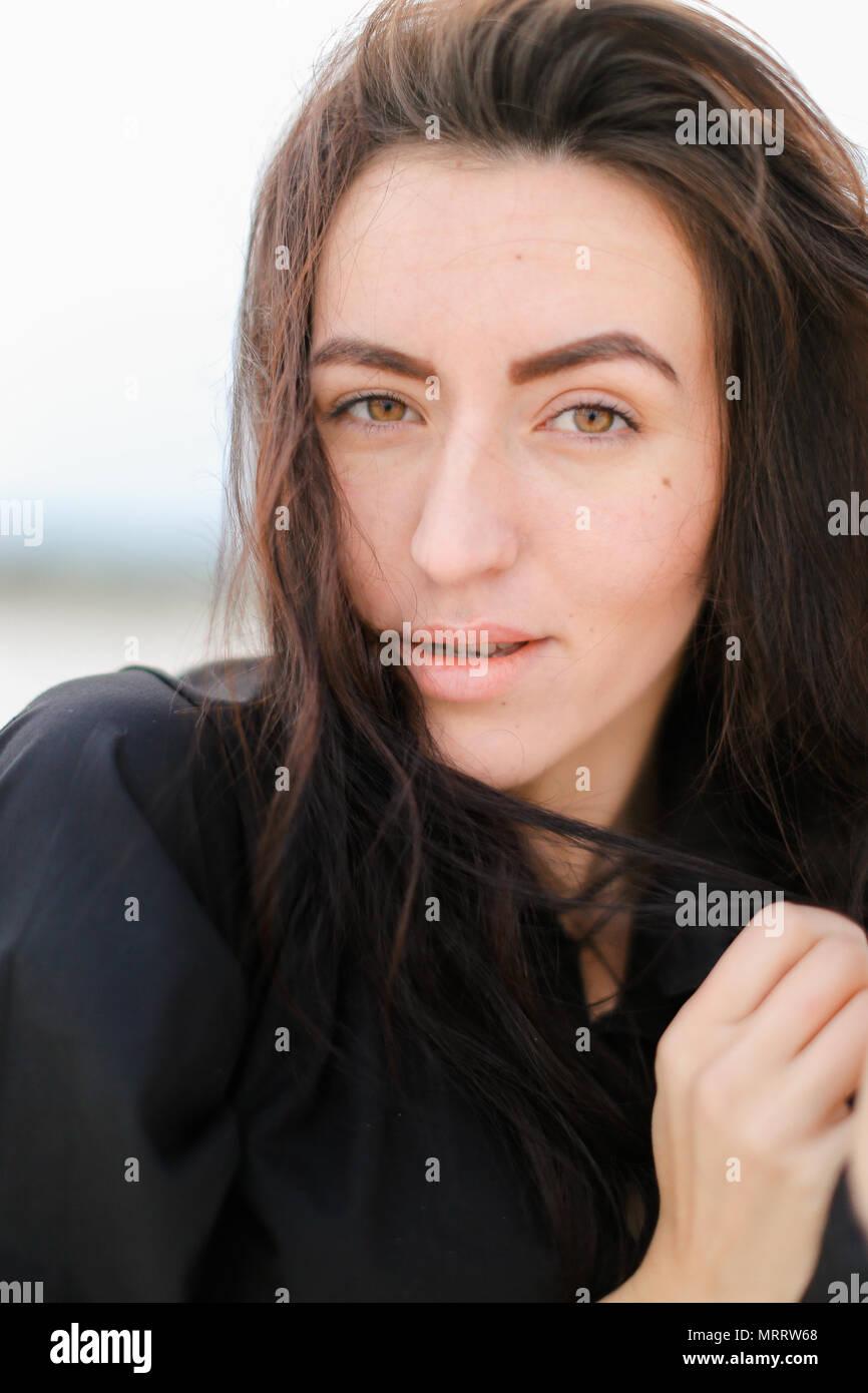 Braune haare braune augen weiblich