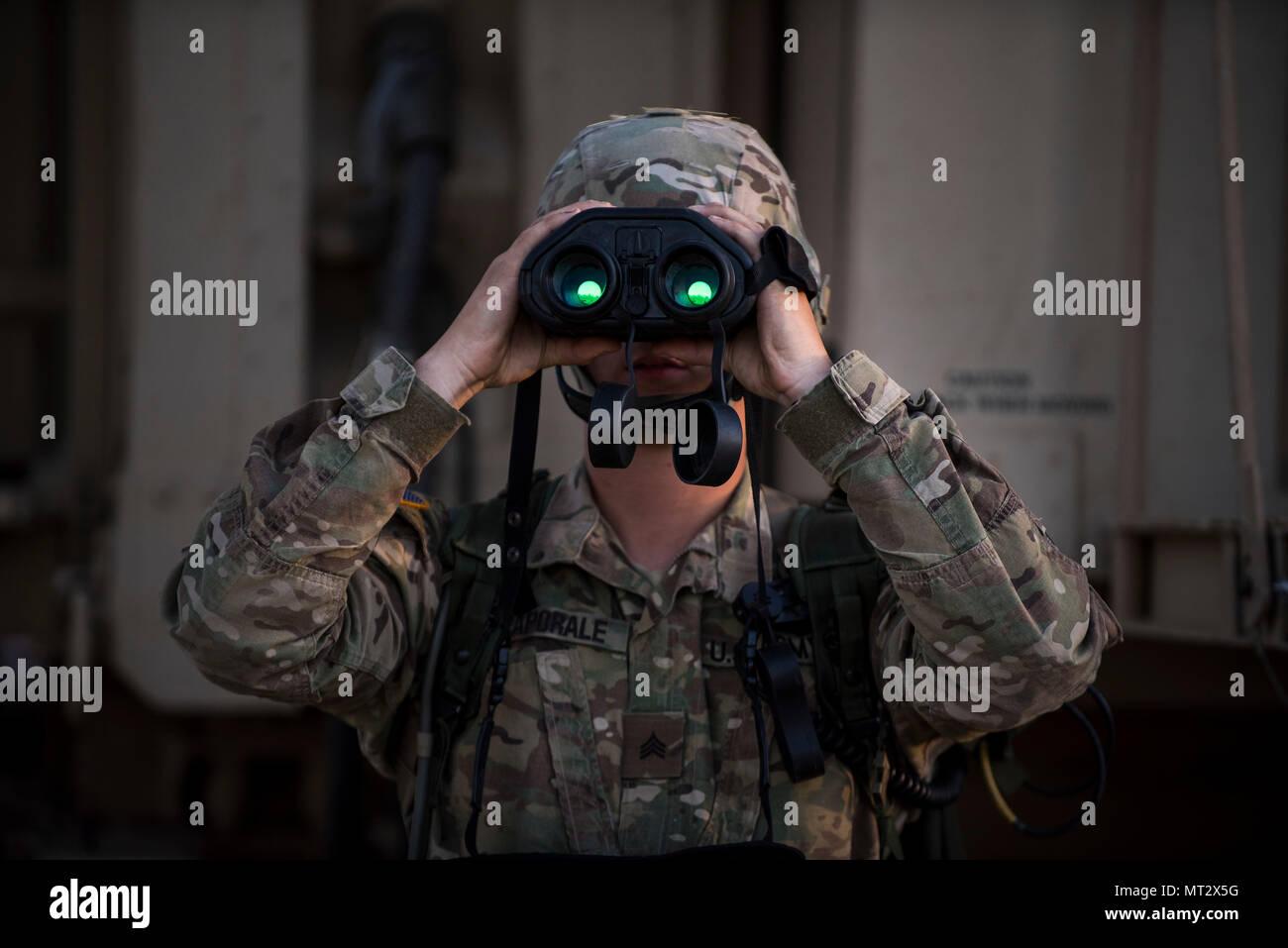 Sgt. carl caporale ein us army reserve militär polizei mit den 382