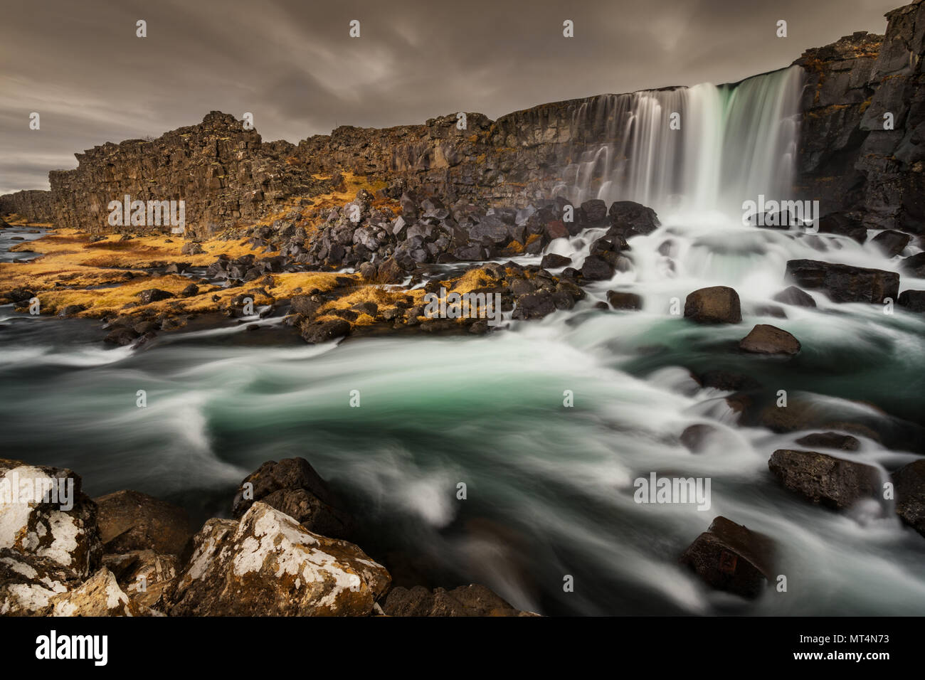 Berühmte Öxarárfoss in Þingvellir-Nationalpark. Stockbild