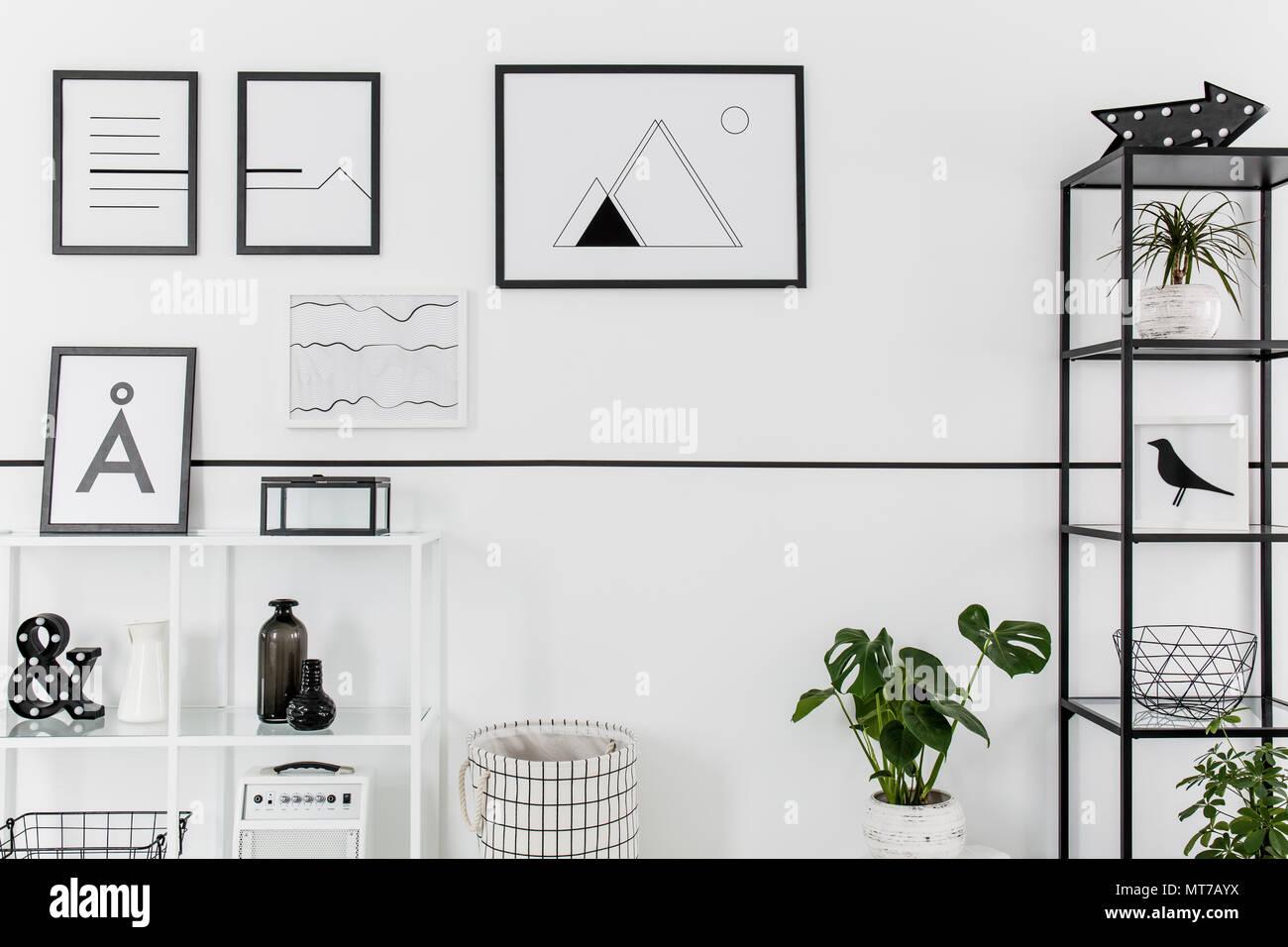 Einfache Schwarz Weiss Poster Aufhängen An Weiße Wand Im Nordischen