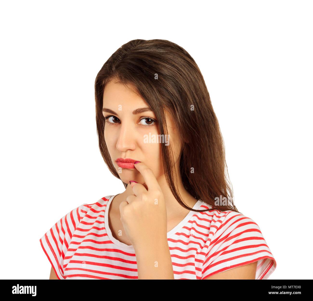 Peinlich junge Frau lacht Blick in die Kamera. emotionale Mädchen auf weißem Hintergrund. Stockbild