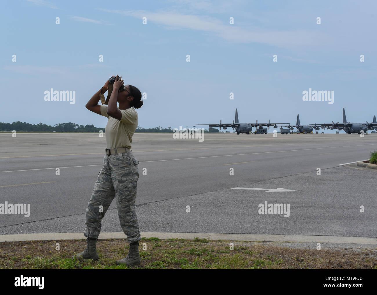 Laser Entfernungsmesser Fotografie : Laser rangefinder stockfotos bilder alamy