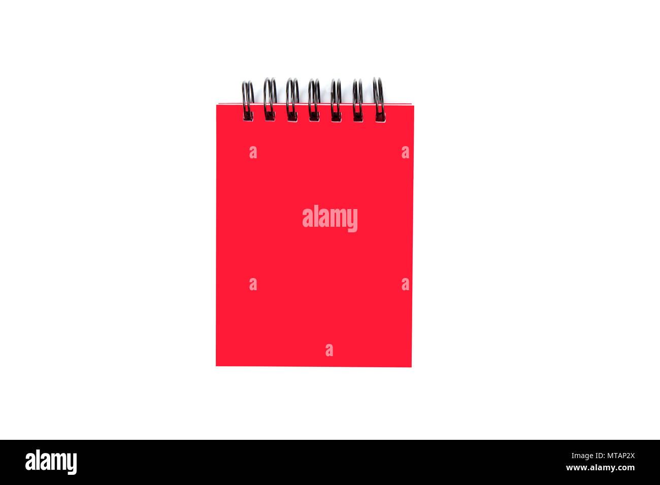 5e86aa6db00 Red geschlossen Papier notepad mit Ring Binder auf weißem Hintergrund