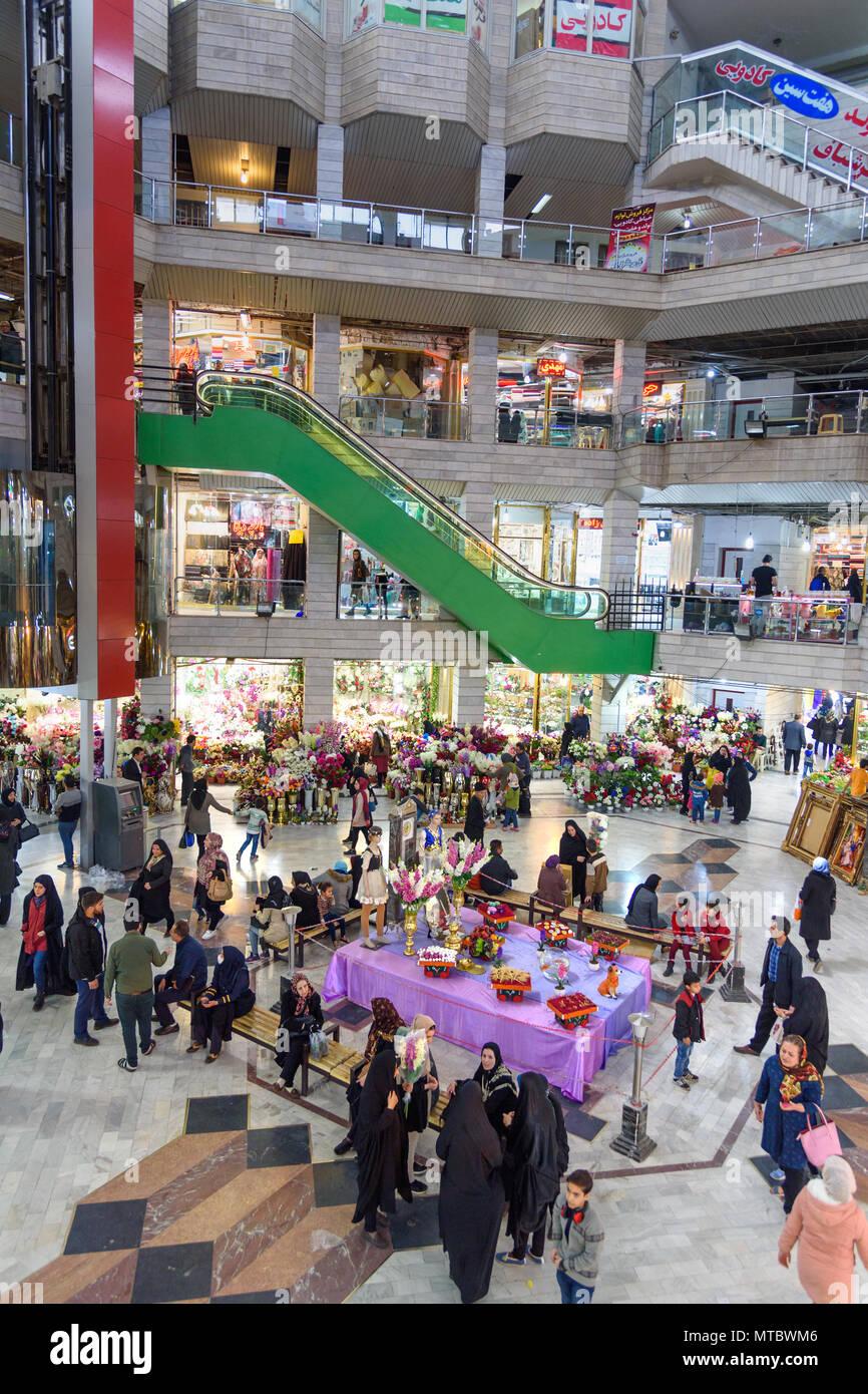 Tabriz Osten Der Provinz Aserbaidschan Iran 15 Marz 2018 Einrichtung Von Shams Tabrizi Basar Einkaufszentrum Stockfoto Bild 187117062 Alamy