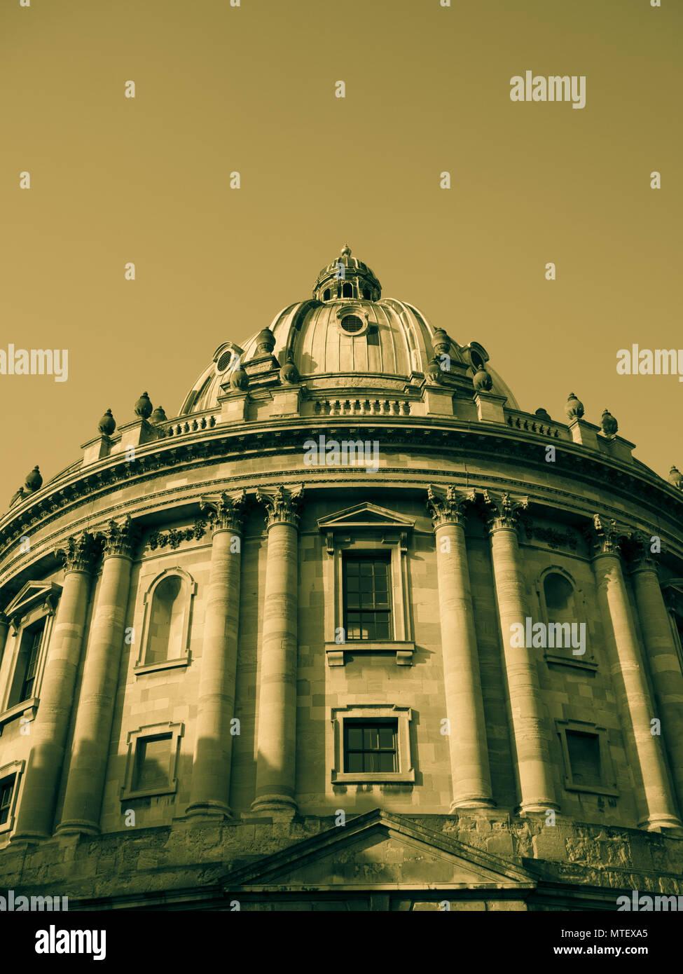 Oxford Wahrzeichen, Radcliffe Camera, Oxford University, Radcliffe Square, Oxford, Oxfordshire, England, UK, GB. Stockbild