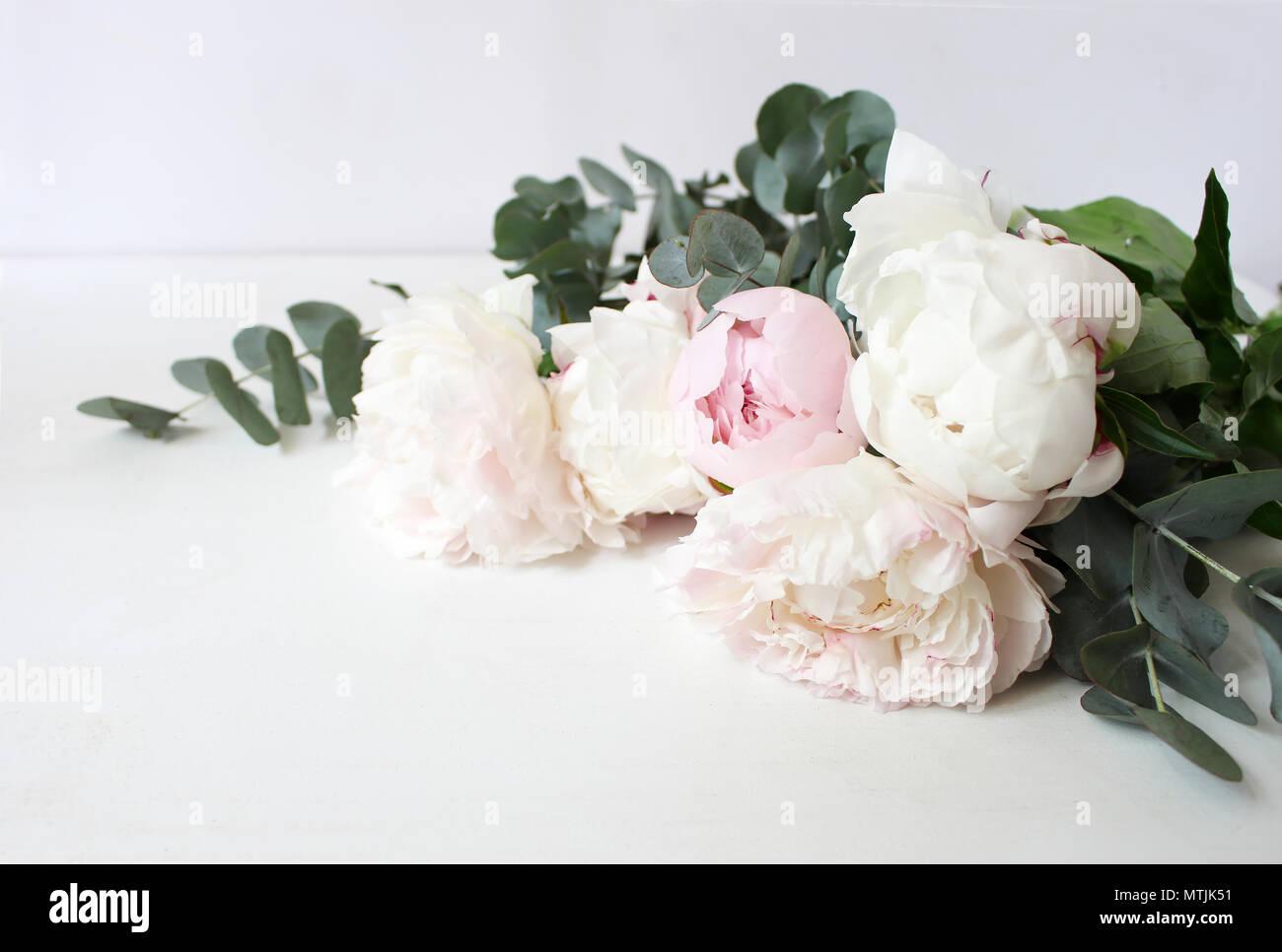 styled foto dekorative stillleben florale komposition. Black Bedroom Furniture Sets. Home Design Ideas
