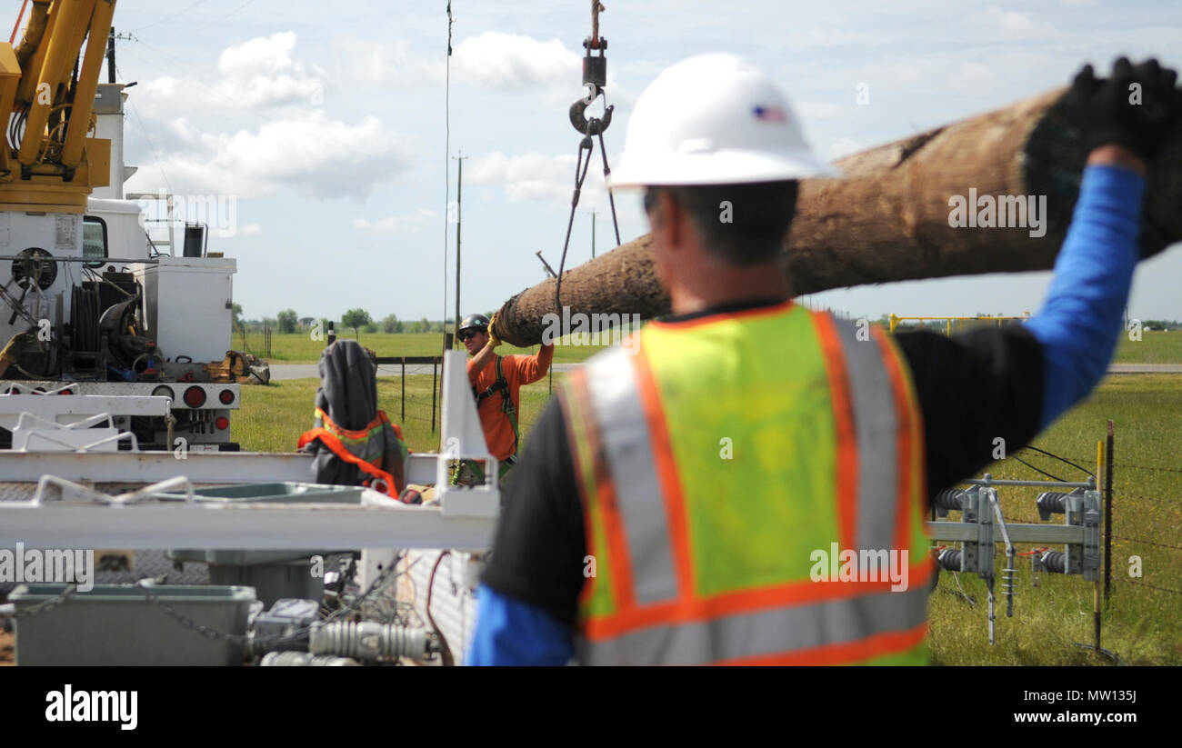 Replacement Pole Stockfotos & Replacement Pole Bilder - Alamy
