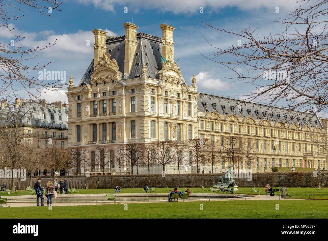 Musee De Louvre Stockfotos & Musee De Louvre Bilder - Alamy