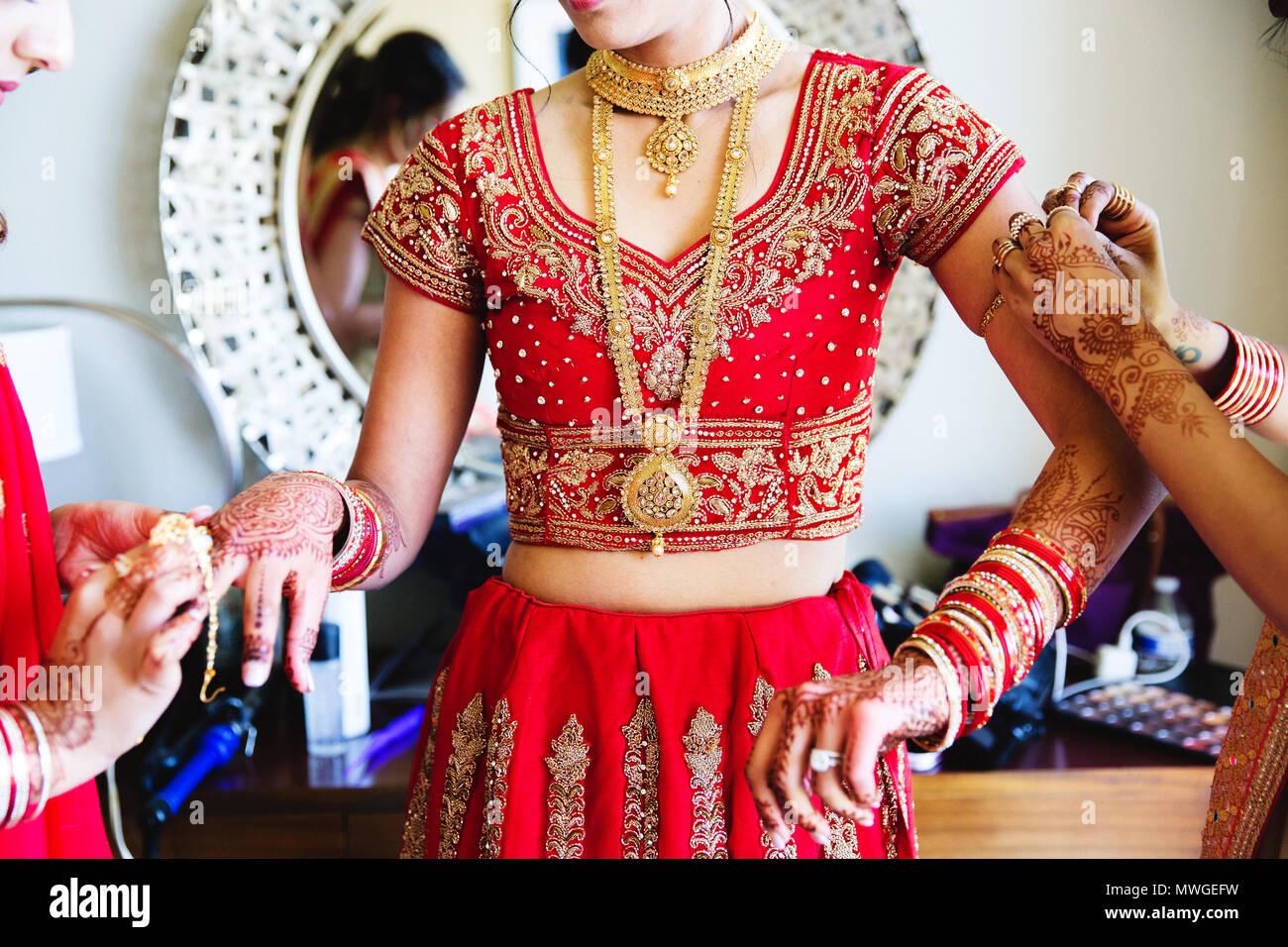Pakistanische und Indische Braut fertig, Hochzeit Stockbild