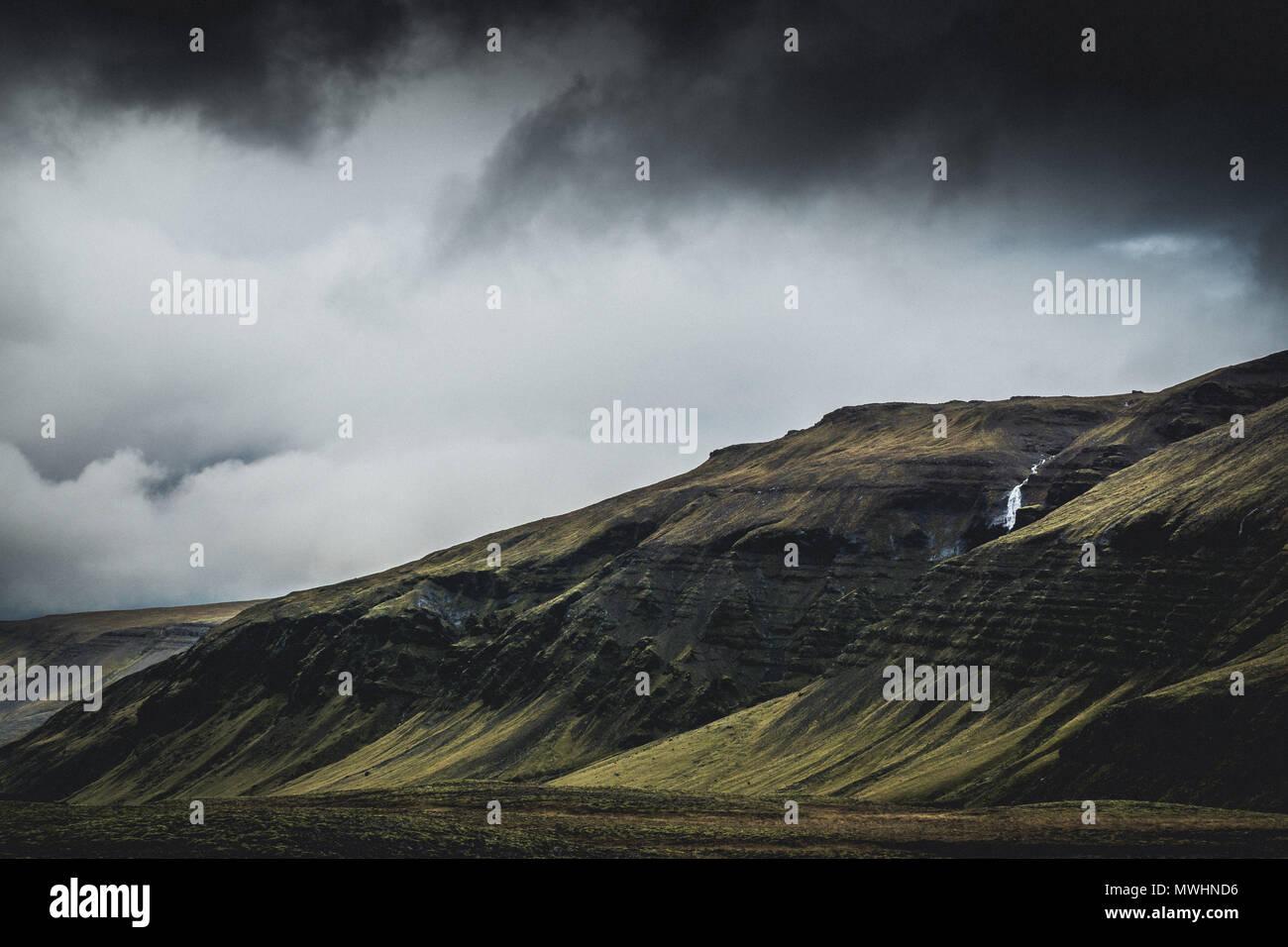 Eine typische Landschaft im isländischen Hochland. Stockbild