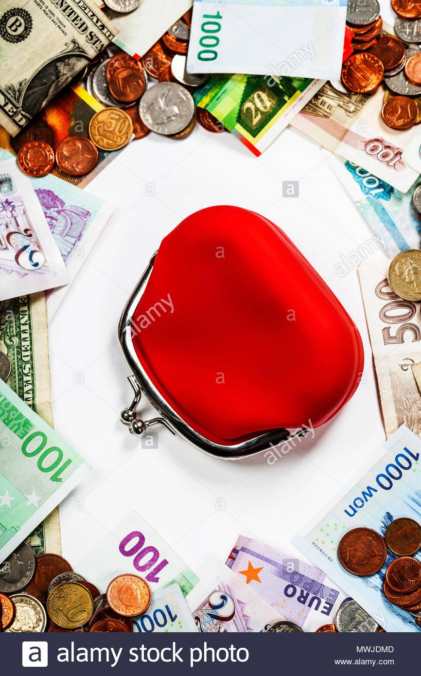 Ausländische Münzen Und Banknoten Rahmen Mit Roten Handtasche Geld