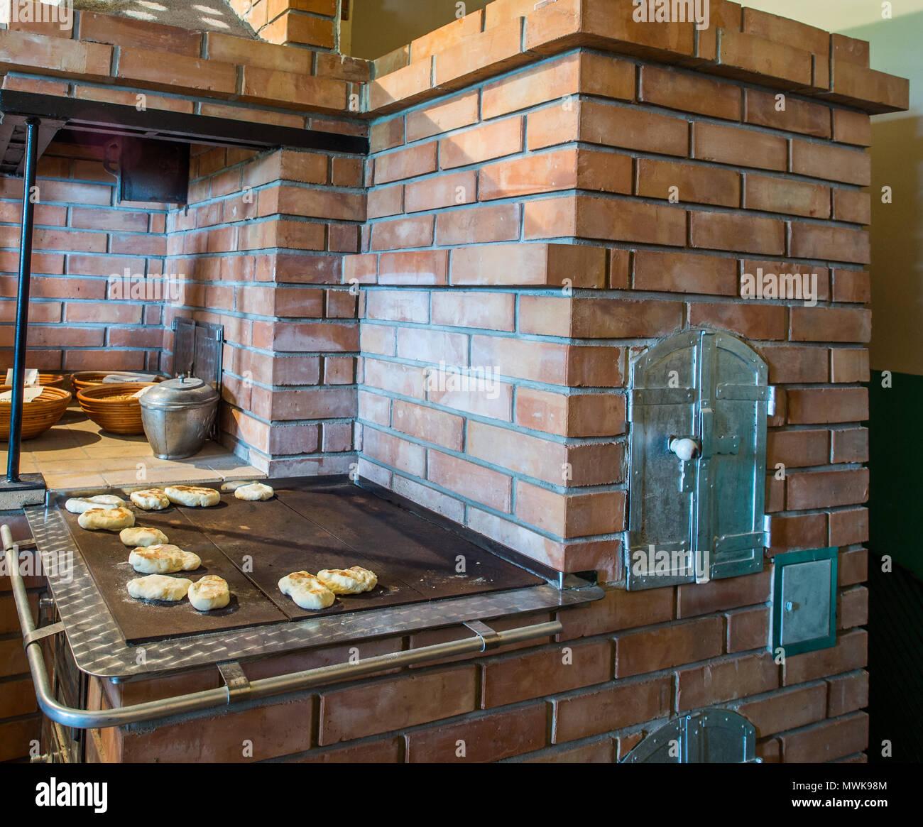Pfannkuchen auf ein Backblech pepared auf der Kohle Küche ...