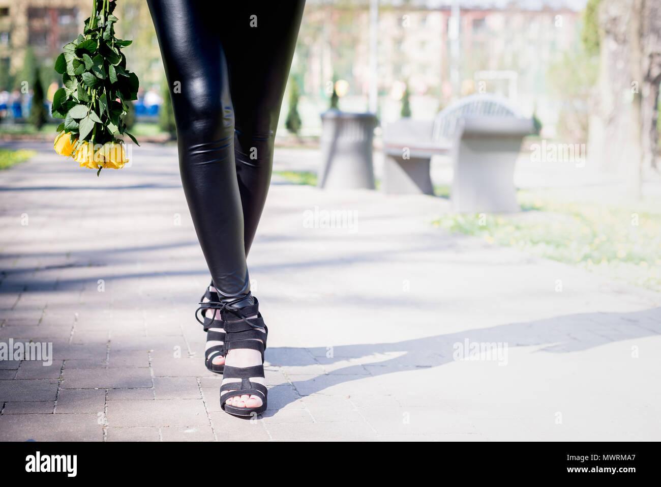 mädchen nackt in high heels