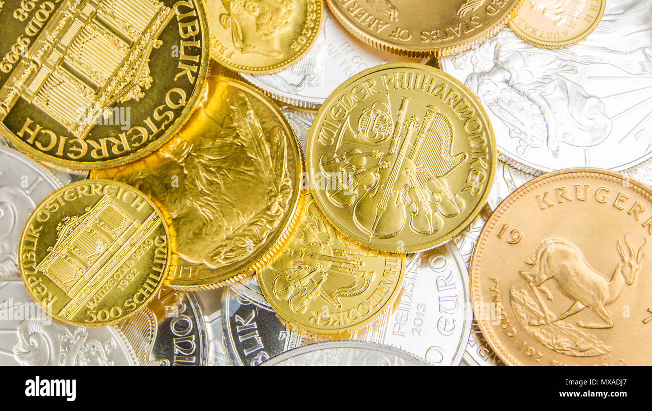 Mischung Aus Silber Und Goldenen Münzen Mit Verschiedenen Nominalen