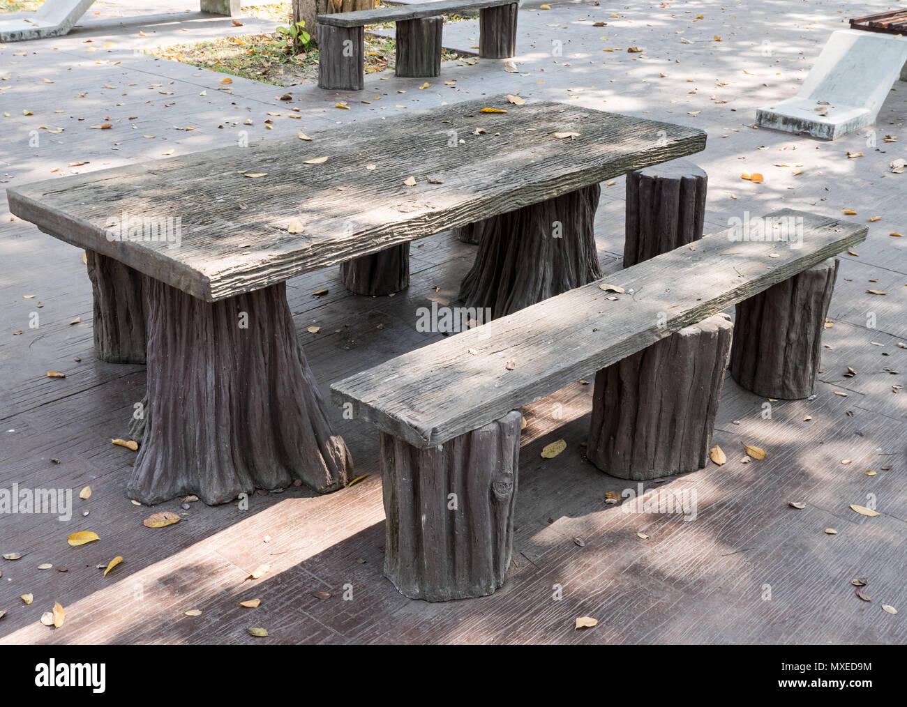 Konkrete Tisch Und Stuhl Gesetzt Die Aussehen Wie Aus Dem Holz In
