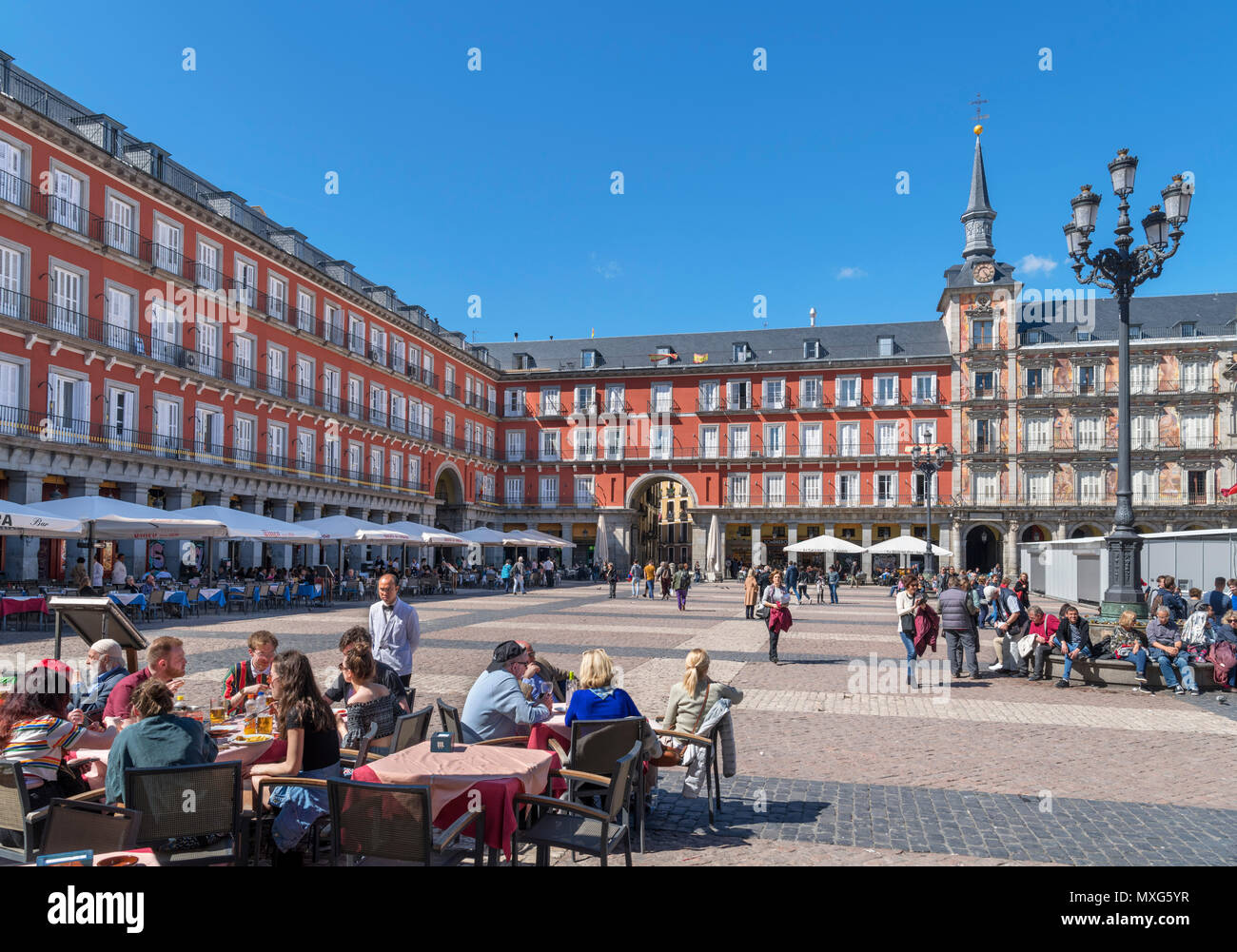 Cafés und Restaurants am Plaza Mayor, Madrid, Spanien Stockbild