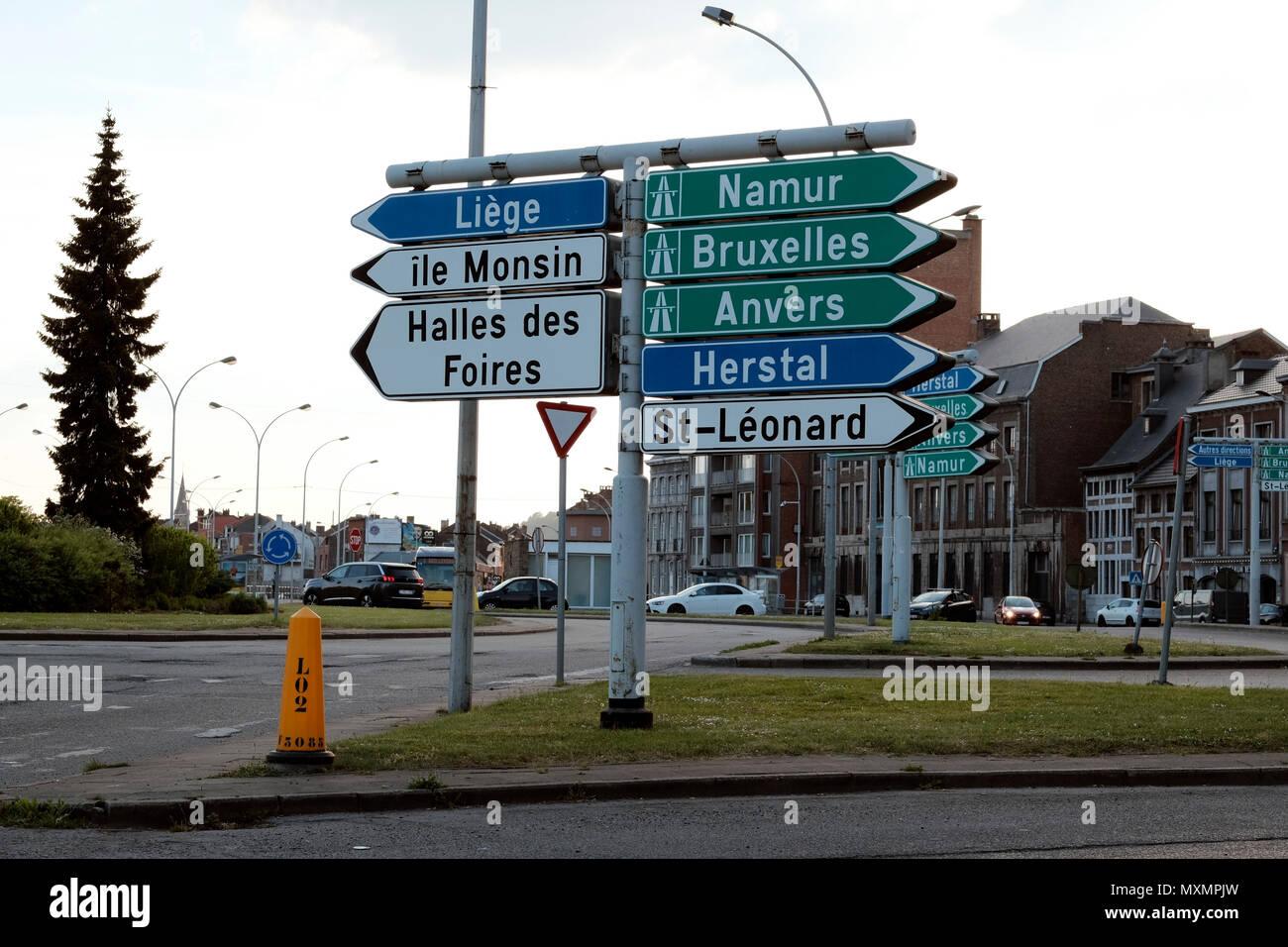 Verkehrszeichen in Lüttich, Belgien Stockbild