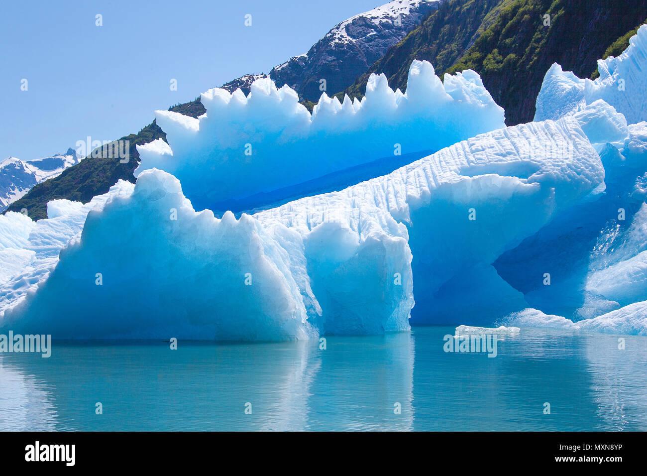 Eisschmelze an Sawyer Gletscher, Tracy Arm Fjord, in Alaska, North Pacific, USA Stockbild