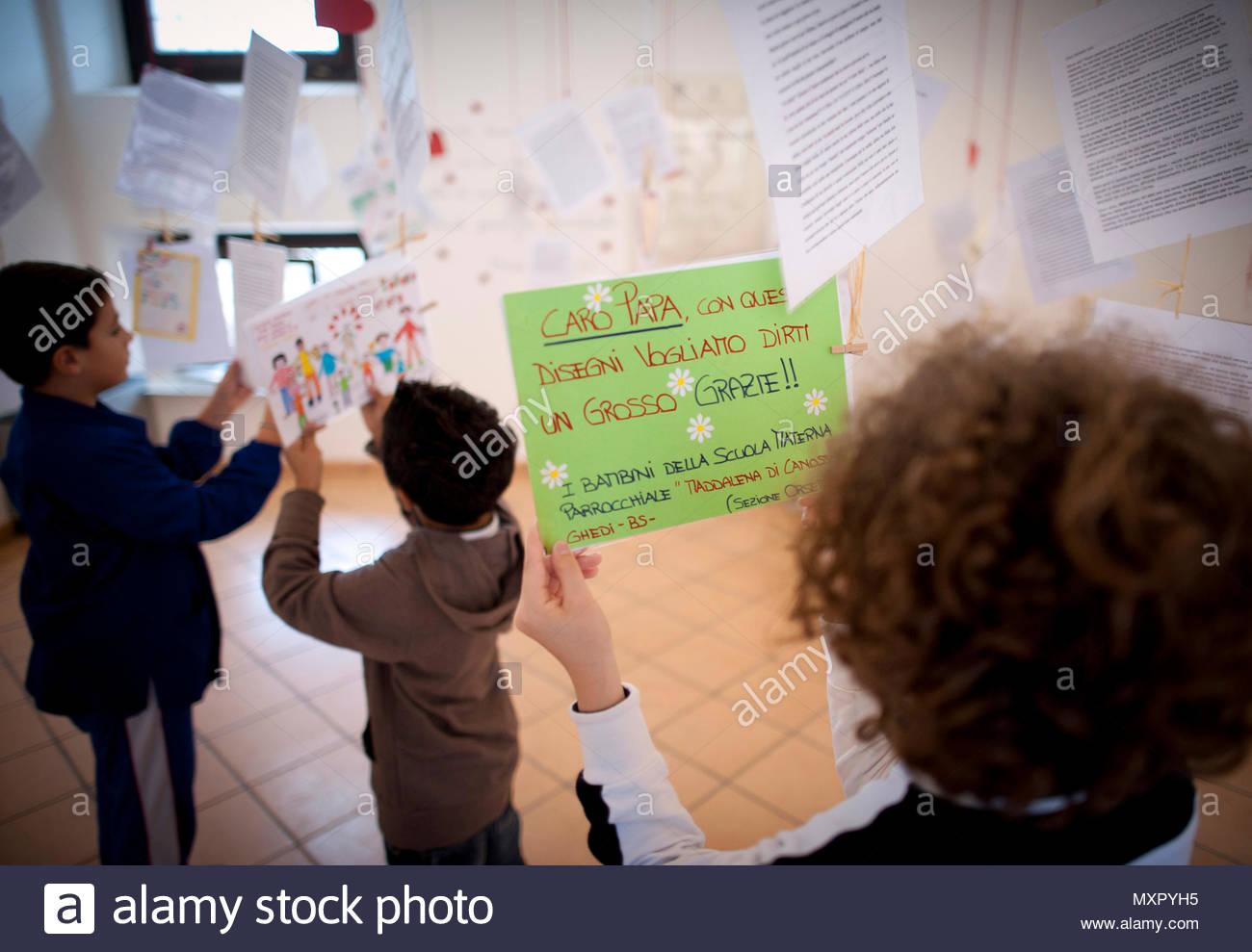Die Erste Internationale Museum Der Love Letters Von Kindern Zu