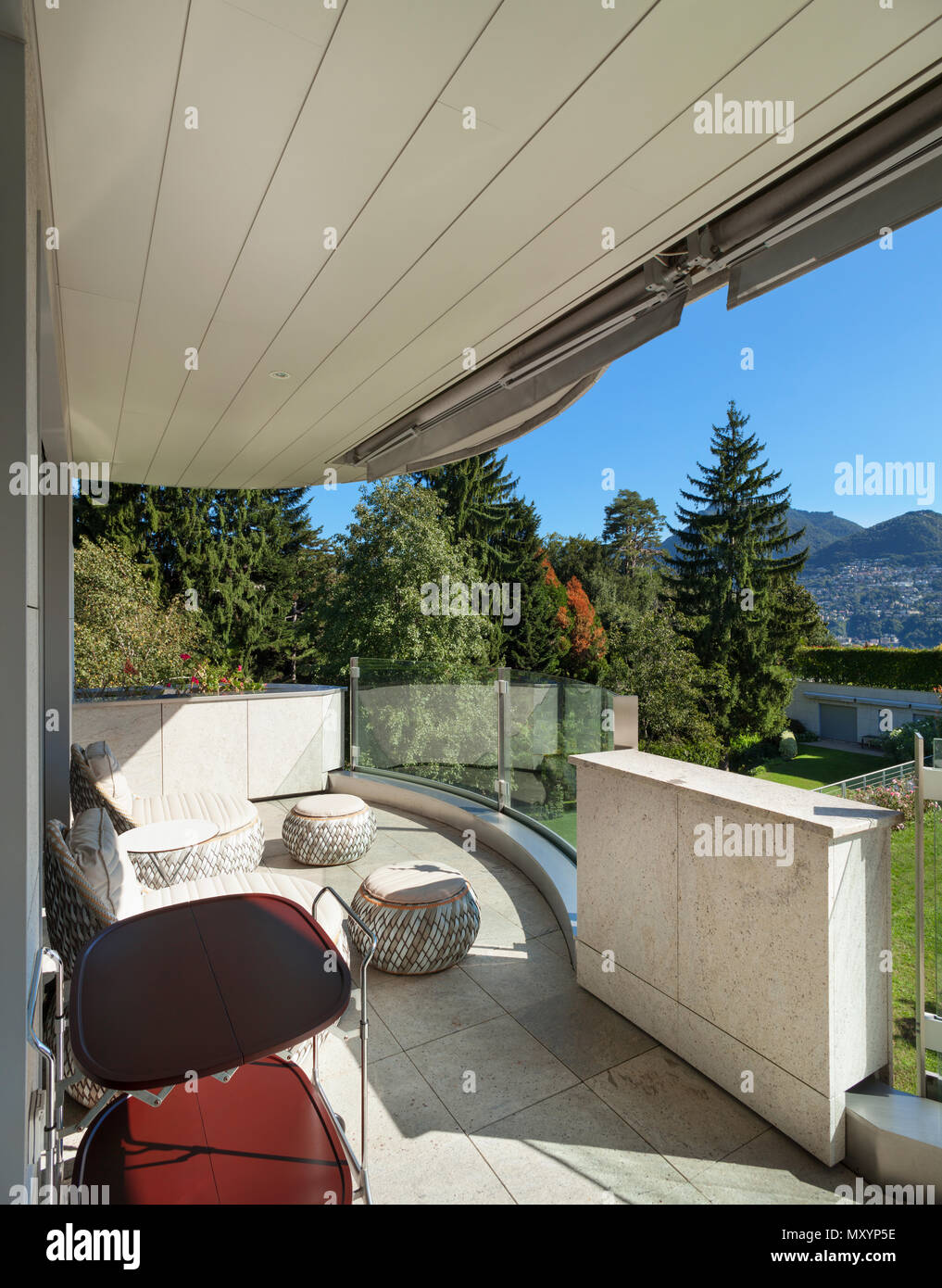 Modernes Haus Panorama Aussicht Vom Balkon Stockfoto Bild