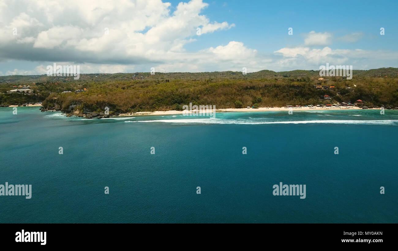 Luftaufnahme Von Schonen Strand Hotels Und Touristen In Bali