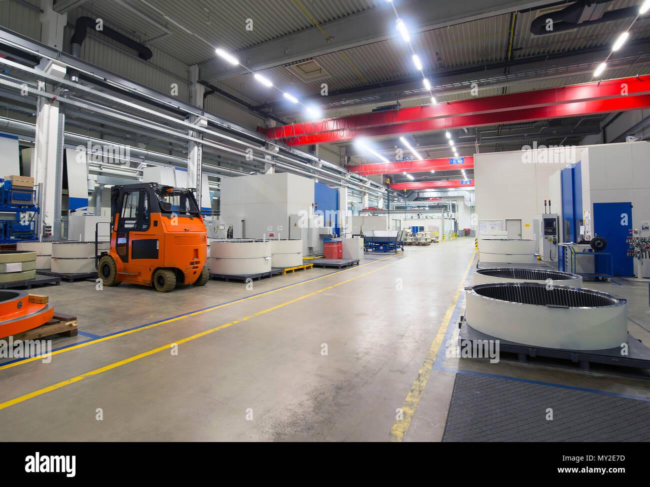 Werk des modernen Maschinenbaus - Produktion von Getrieben für Windkraftanlagen Stockbild