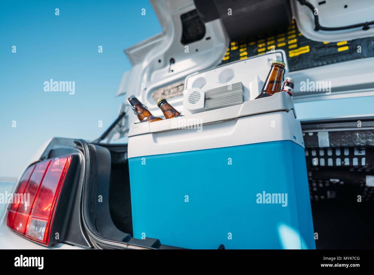 Auto Kühlschrank : Auto kühlschrank u stockfoto uatp