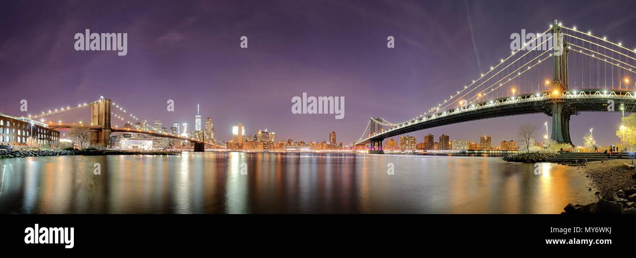 Panorama von New York City, USA Skyline bei Nacht Stockfoto