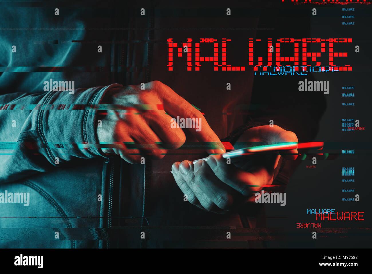 Malware Konzept mit männliche Person mit Smartphone, Low Key rot und blau beleuchtete Bild und digitale glitch Wirkung Stockbild