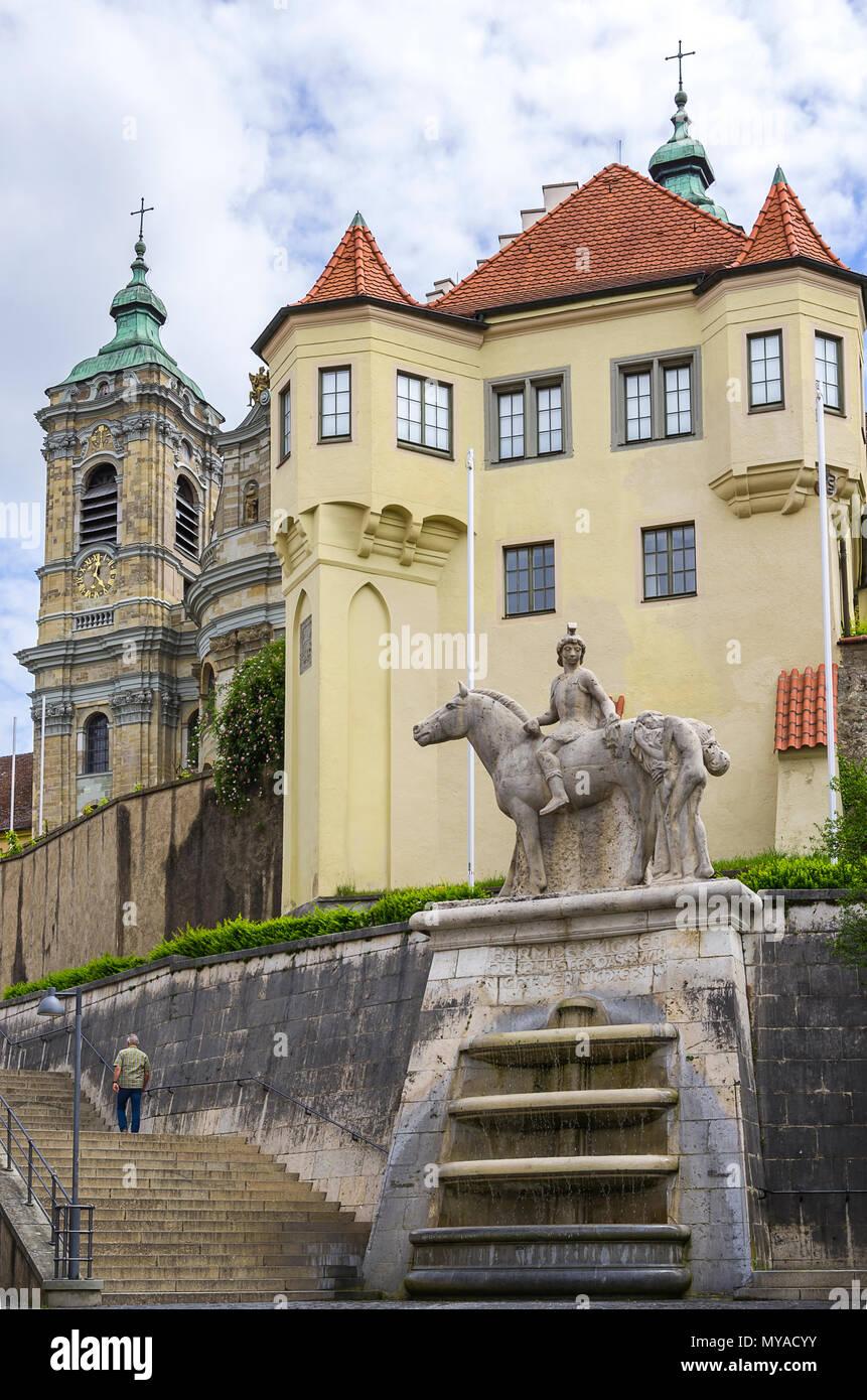 Martinsbrunnen Gut vor der Basilika St. Martin, Weingarten, Baden-Württemberg, Deutschland. Stockbild