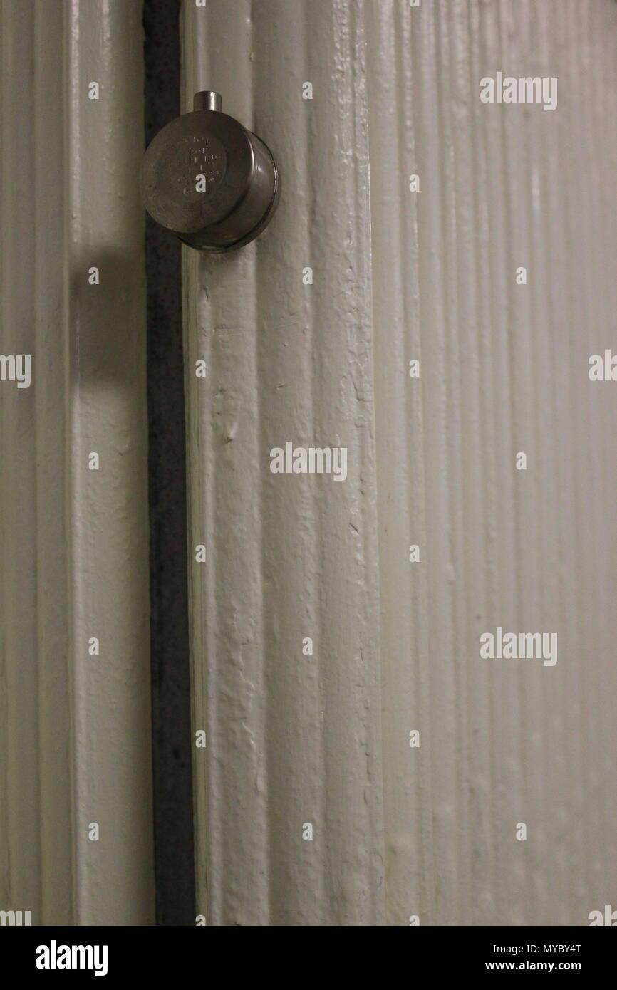 Warmes Wasser an der Wand montierte Kühler Heizung bei Eben-eser ...