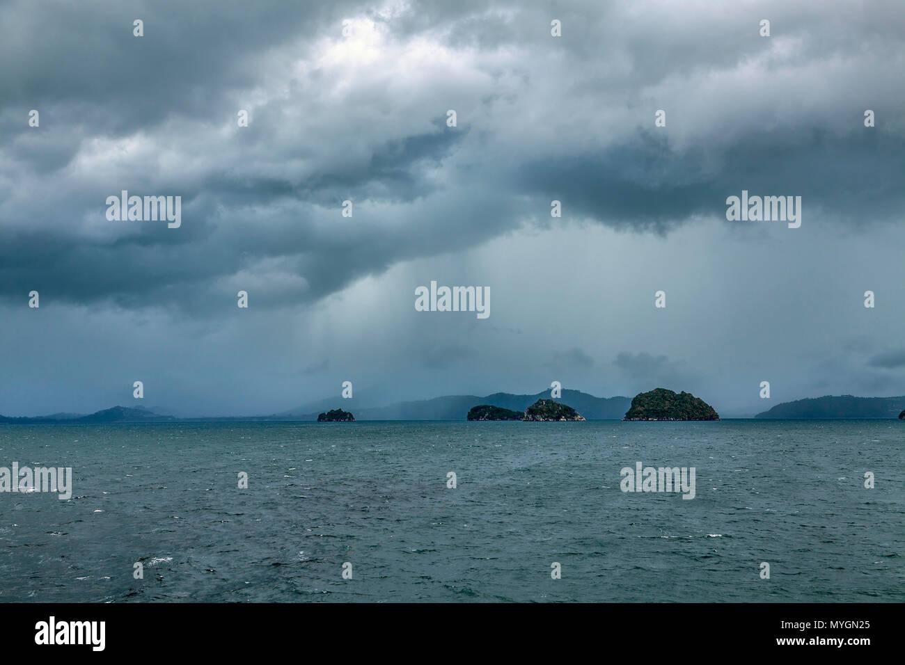 Die Regenzeit auf Koh Samui in Thailand. Stockbild