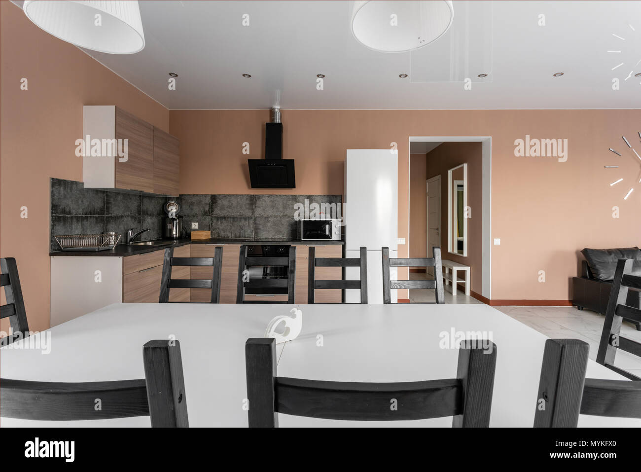 Superieur Moderner Minimalismus Style Salon Interieur. Einfache Und Kostengünstige  Wohnzimmer Mit Küche. Tageslicht Am Morgen