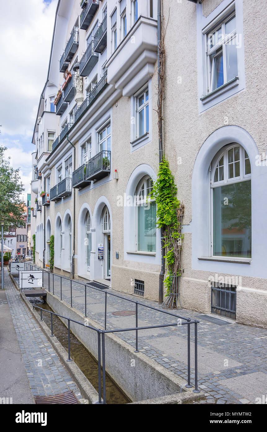 Ravensburg, Baden-Württemberg, Deutschland - Blick nach unten Rossbach Straße (Rossbachstrasse). Stockbild