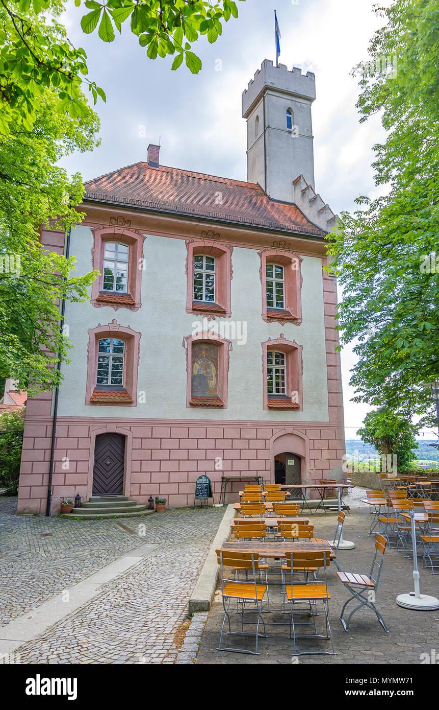 Das beliebte Restaurant Ziel auf Castle hill Veitsburg in Ravensburg, Baden-Württemberg, Deutschland. Stockbild