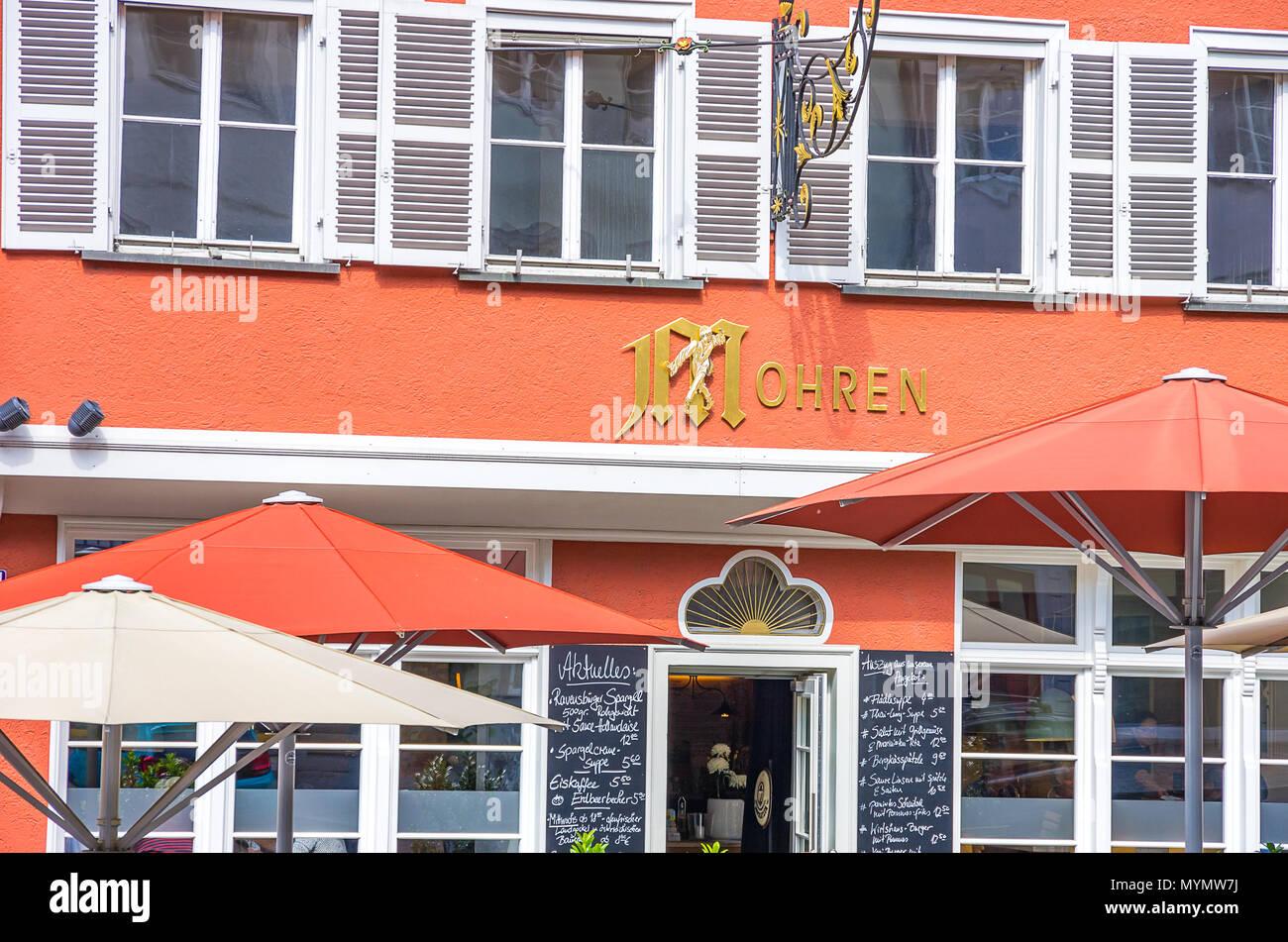 Ravensburg, Baden-Württemberg, Oberschwaben, Deutschland - Teilweise mit Blick auf die äußere Fassade der Taverne Mohren. Stockbild
