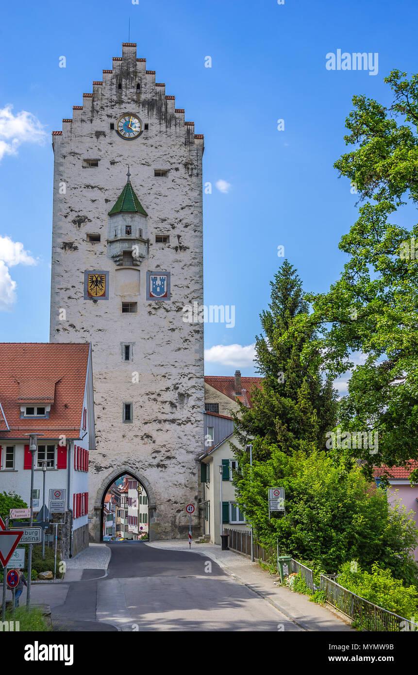 Blick auf die mittelalterliche Obertor City Gate in Ravensburg, Baden-Württemberg, Oberschwaben, Deutschland. Stockbild