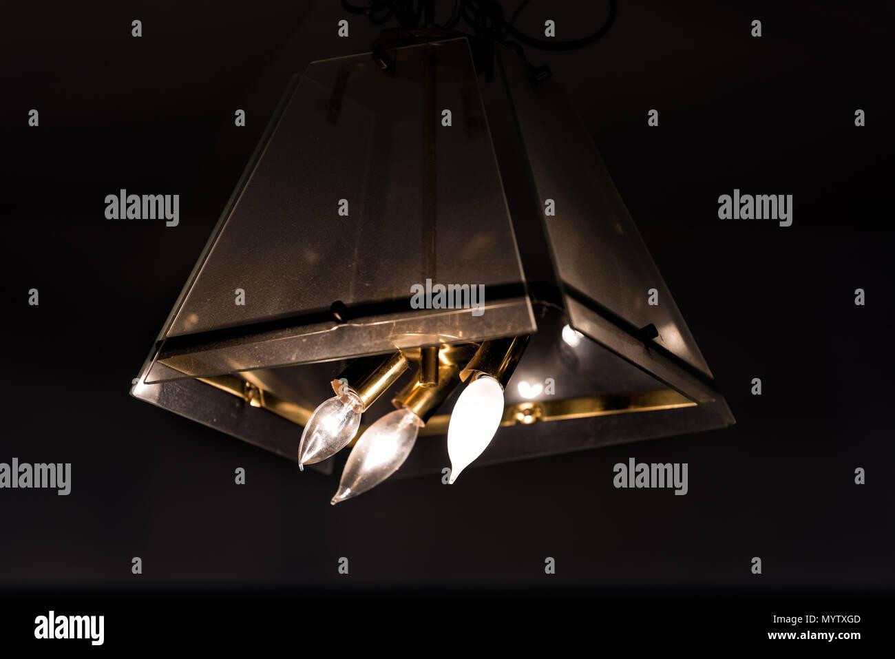 Nahaufnahme Der Altmodischen Leuchtet Moderne Lampe Lampe Hangen Von