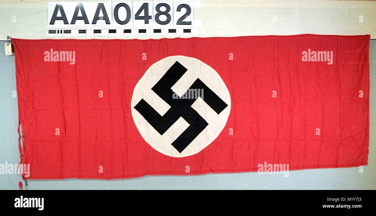 Rot Weiß Schwarzes Hakenkreuz Stockfotos Rot Weiß Schwarzes