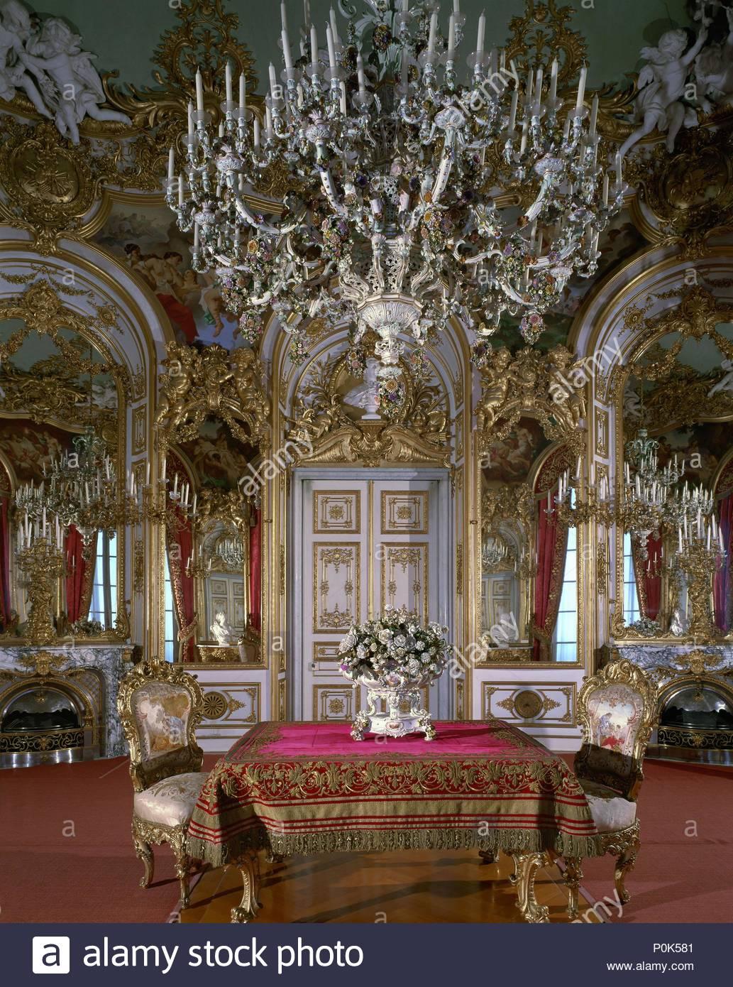 Kleines Esszimmer In Herrenchiemsee Eine Residenz Fur Ludwig Ii