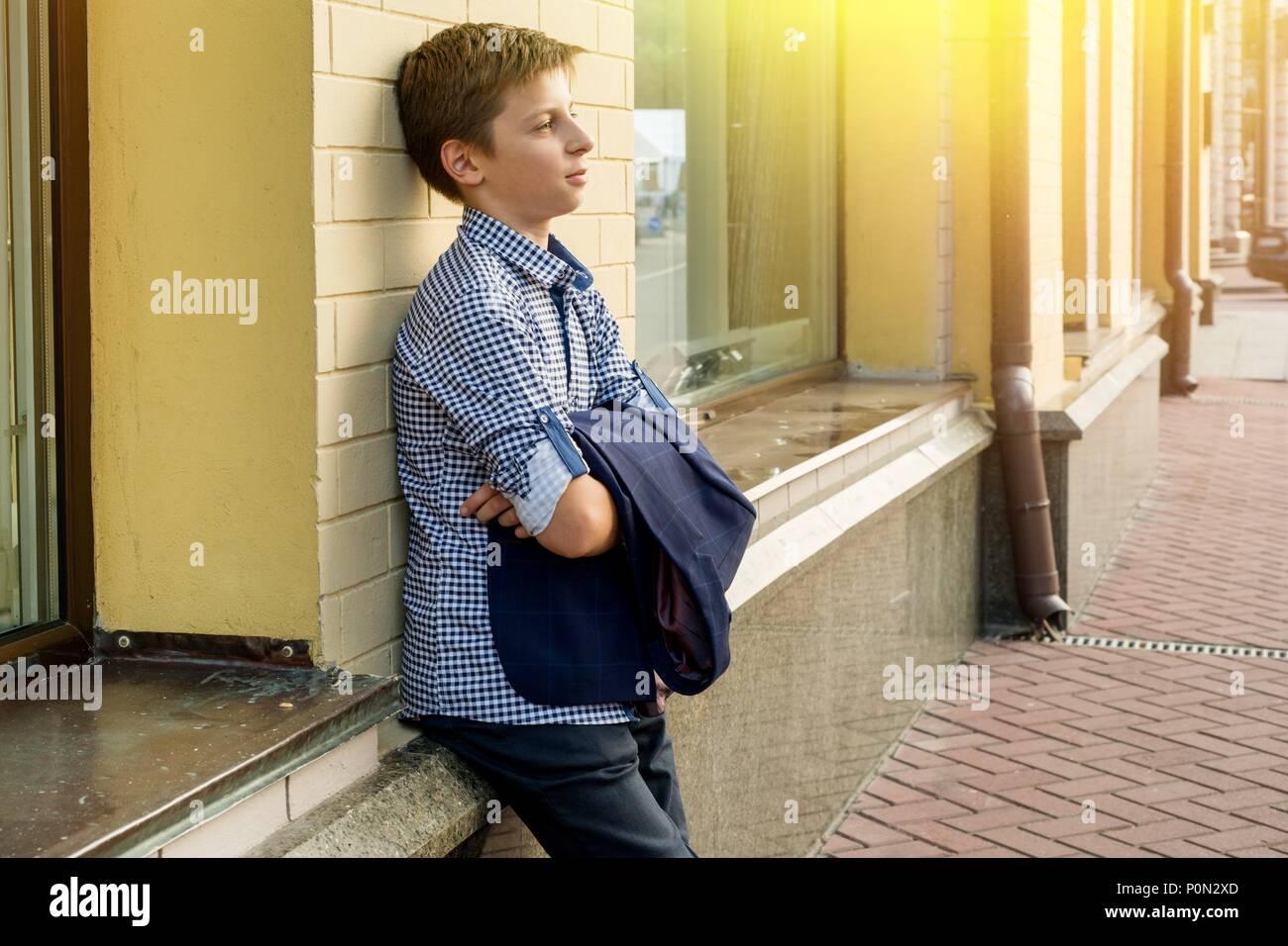 Porträt eines jungen Teenager 13-14 Jahre alt. Stockbild