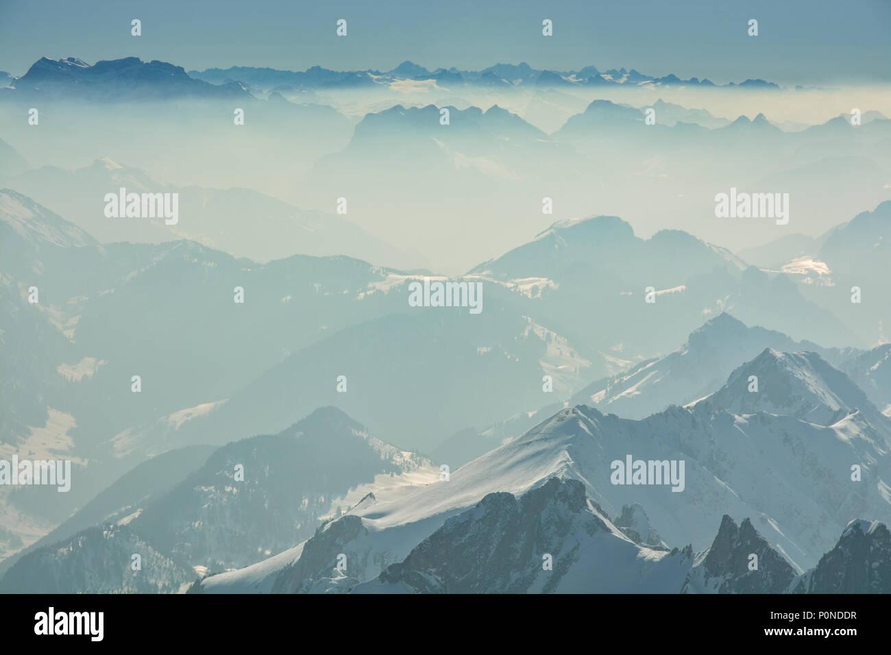 Schöne Aussicht auf die Schweizer Alpen von Santis peak Stockbild
